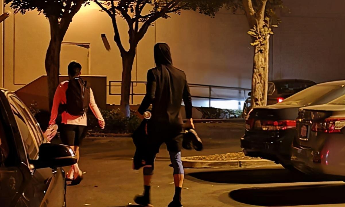 【影片】狀態滿分!林書豪連續參加NBA私人球局,大帽對手+三分球超神!-籃球圈