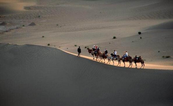 塔克拉玛干沙漠地下水资源丰富,为何不选择开采?有何难言之隐