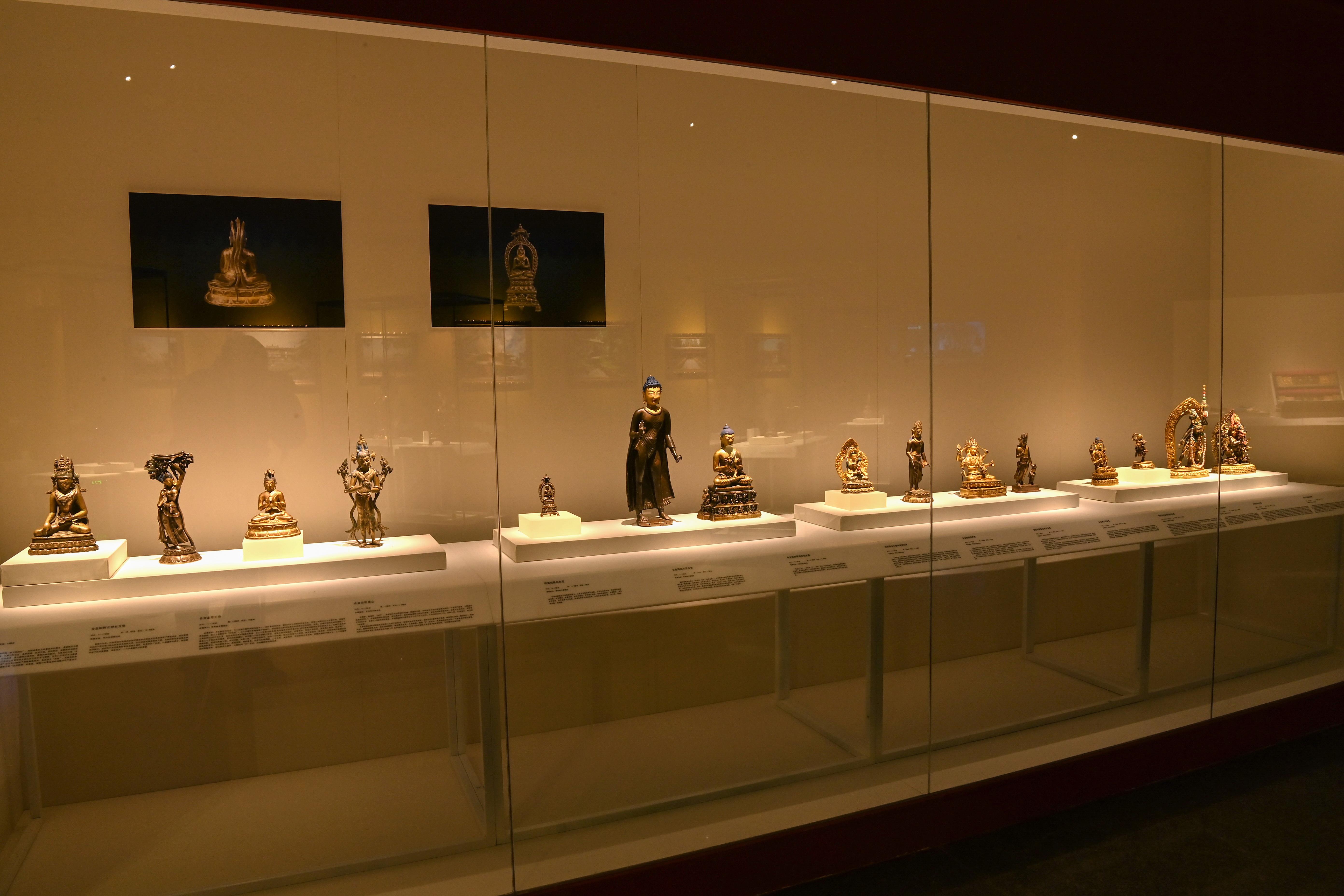 """""""藏韵圣宴——西藏文物珍品展""""在秦陵博物院开展"""