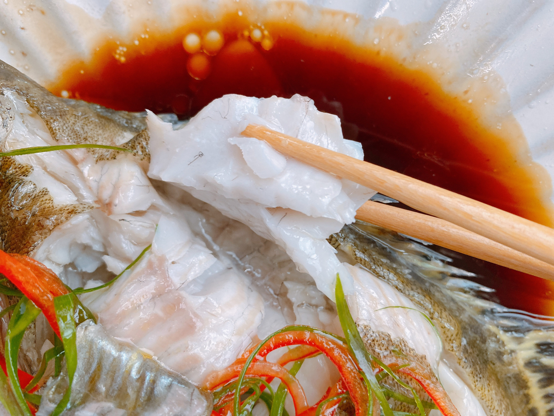 清蒸魚看似簡單,卻有不少技巧,3個要點1次掌握,魚肉鮮嫩不腥