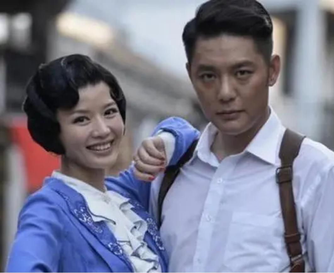 傅程鹏放弃与程愫20年的感情,与周丽淇甜蜜结婚,5月刚产子