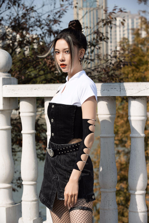 宋妍霏《演员》被批演技,自述被嫌长相太有进攻性,抗压能力强