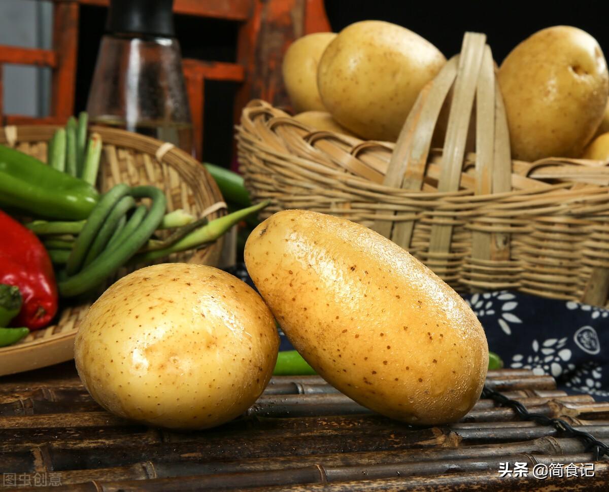買回的新土豆,冷藏保存還是常溫保存? 教你1招,放1年都不發芽