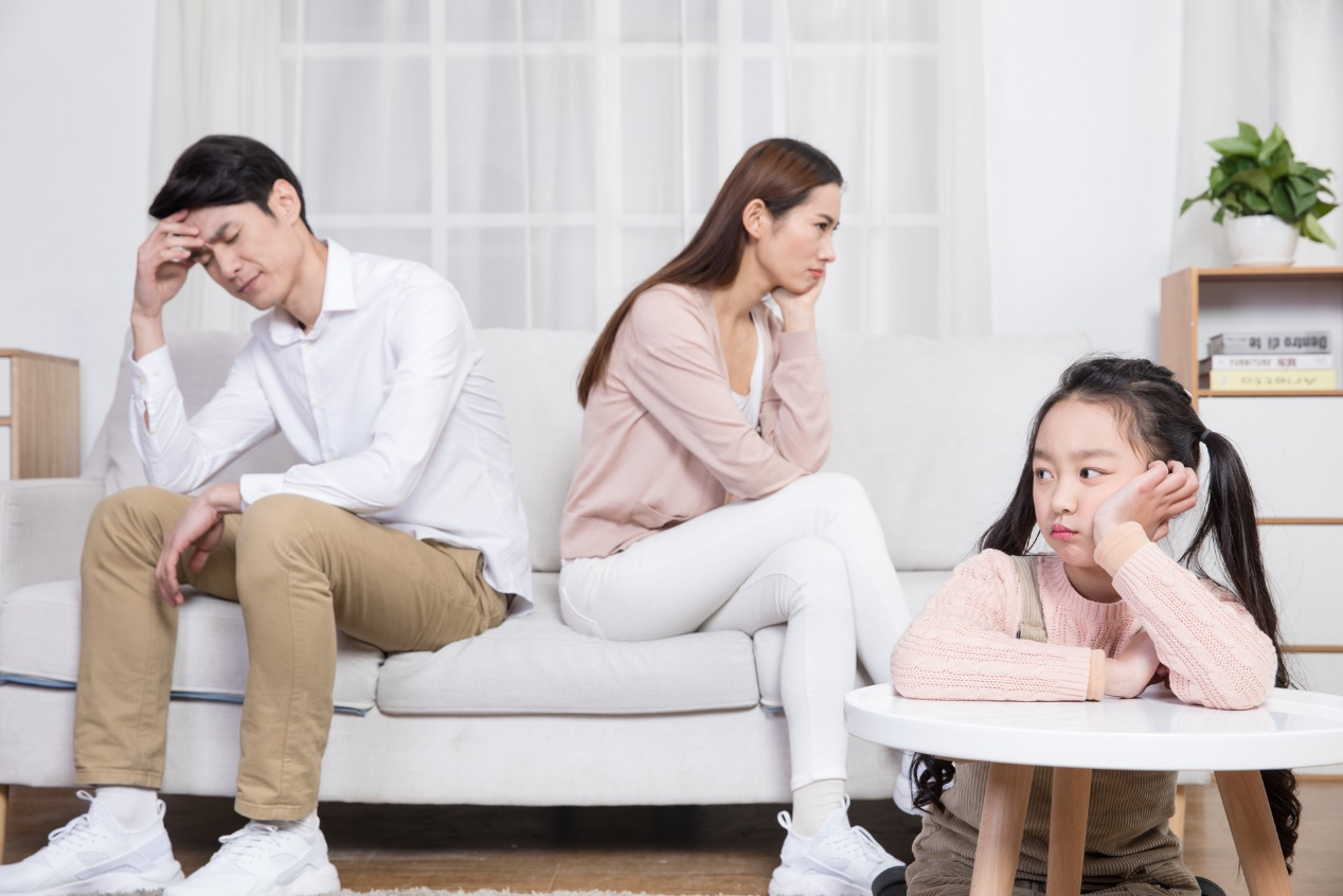 这些情况下批评孩子,无异于把孩子往绝境逼,做父母的要适可而止