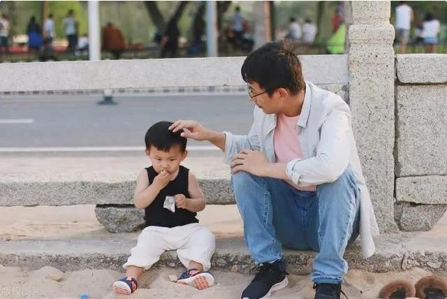 """""""经常挨打""""和""""从不挨打""""的孩子,长大后差别很大,家长要重视"""