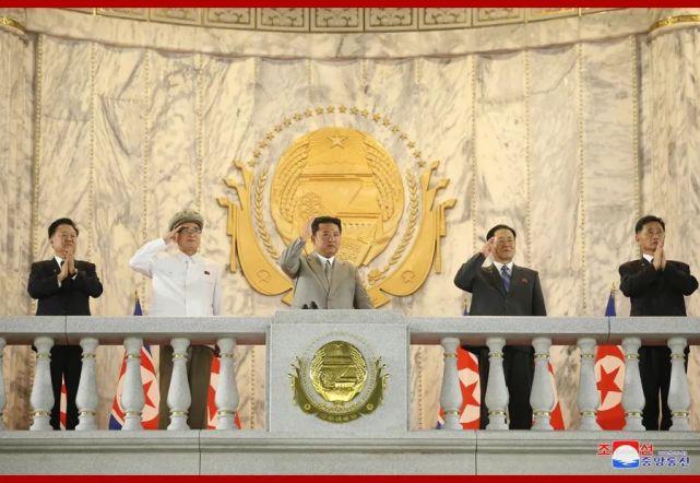 朝鲜举行国庆73周年阅兵式