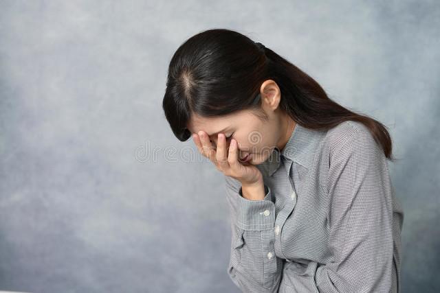 不顾父母反对嫁给大叔,现实却让我崩溃大哭