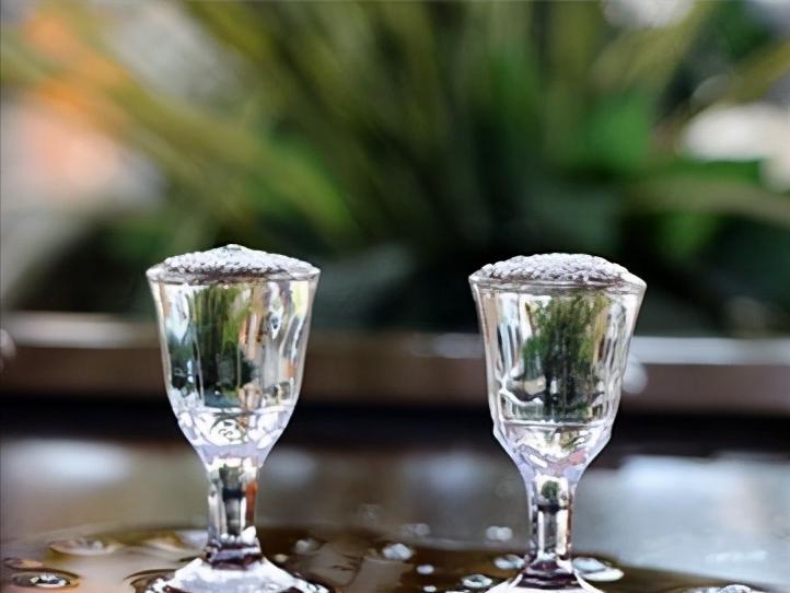 白酒知识 白酒中的老酒与年份酒有什么区别?