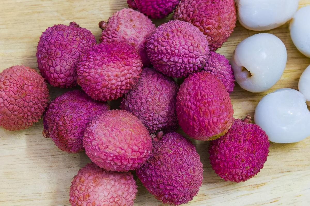 过量食用荔枝易得荔枝病:一次性吃大量荔枝,会带来哪些后果?