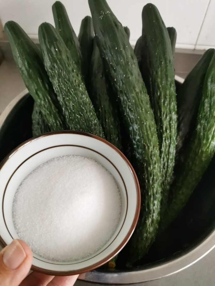 私藏多年的腌黄瓜经验,配方教给你,2个小时就能吃,开胃又下饭 厨房烹饪 第3张