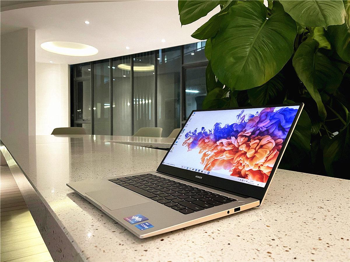 轻薄兼具生产力,全新荣耀MaigcBook 14如何做到的?