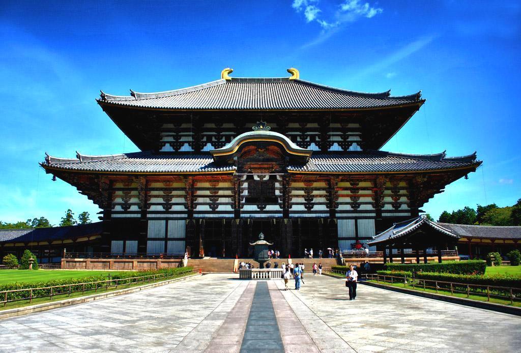 中国送给日本一块木头,被日本视为国宝,沉香木为什么这么金贵?