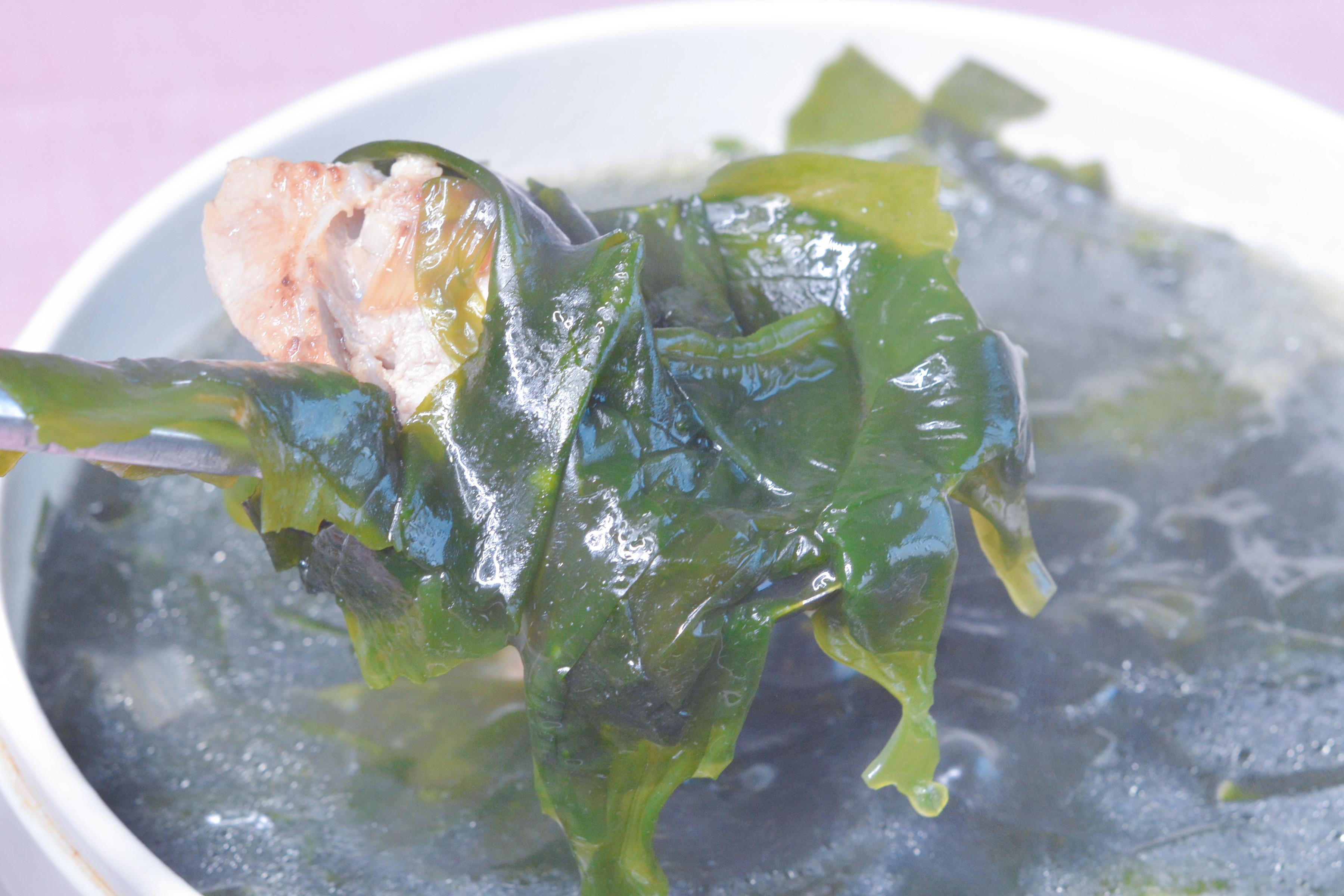 网红美食裙带菜排骨汤太好喝了,别因为是网红美食就觉得它不好