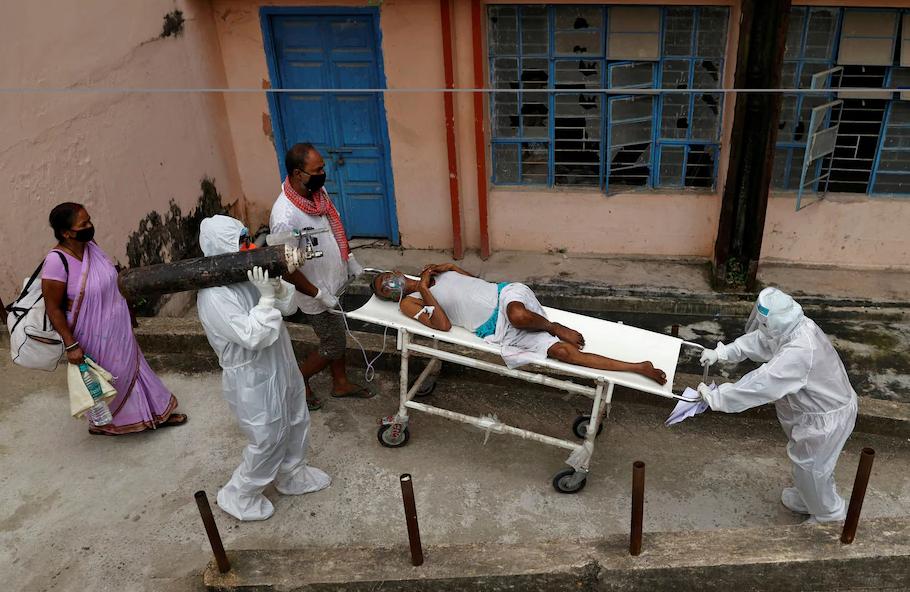 """疫情、饥饿、强奸,确诊突破700万后的印度还在持续""""沦陷"""""""