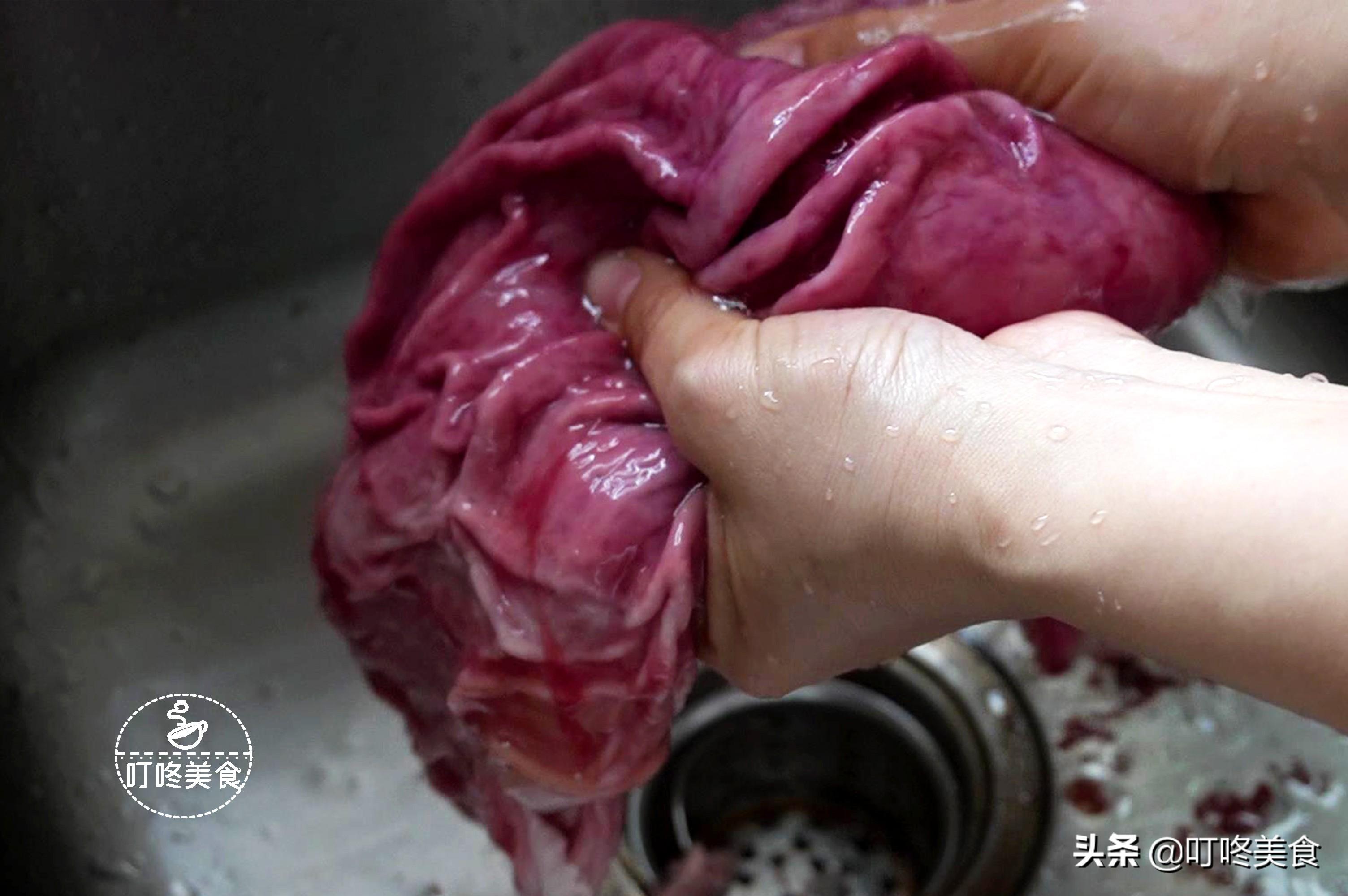 無論洗豬肚還是豬大腸,都別加鹽洗了,用這2樣,輕鬆洗淨除羶味