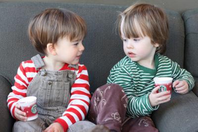"""3岁孩子""""自私又霸道""""?孩子有自我中心化行为,父母要适当引导"""