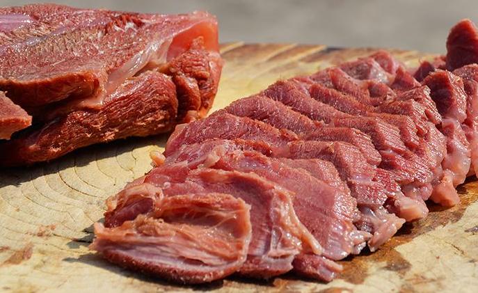 """卤牛肉怎么做才好吃?做好""""3步"""",牛肉不柴很入味,香气十足"""