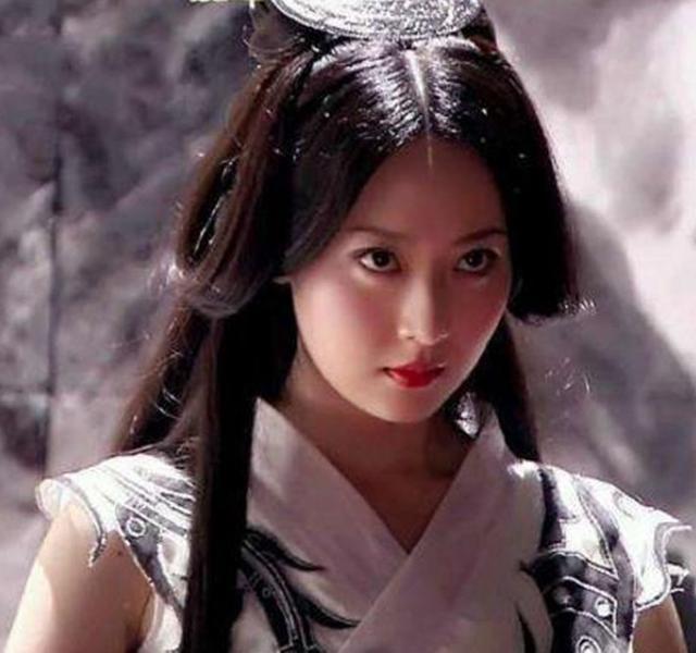 白冰七个古装角色,少女莲姬造型好美,小唯懵懂中寻找爱情