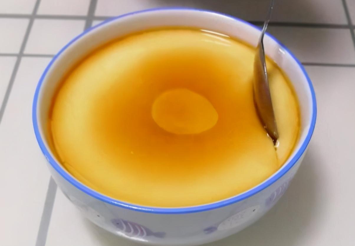 蒸鸡蛋羹是开水上锅还是冷水上锅?牢记4点,做好后每一口都滑嫩 美食做法 第2张