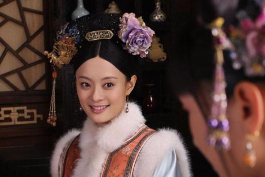 清朝嫔妃图鉴:只需看它就可以判断嫔妃的地位,你们知道是什么吗