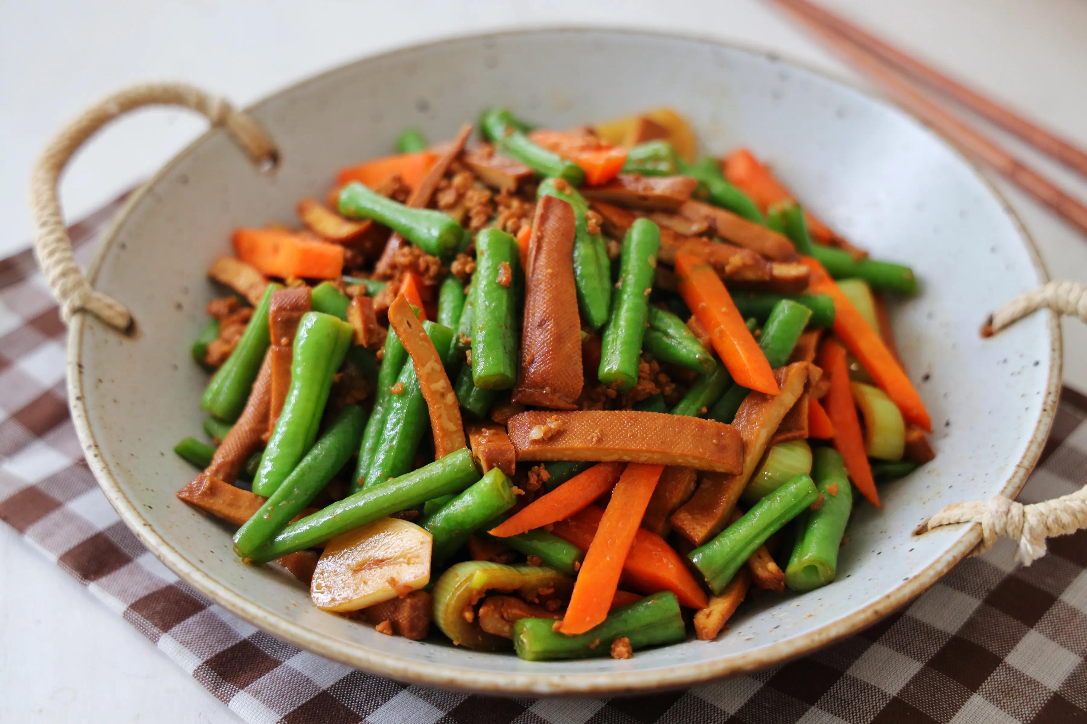 天气热,晚餐要多吃这道家常菜,营养丰富好下饭,多吃也无负担 美食做法 第1张