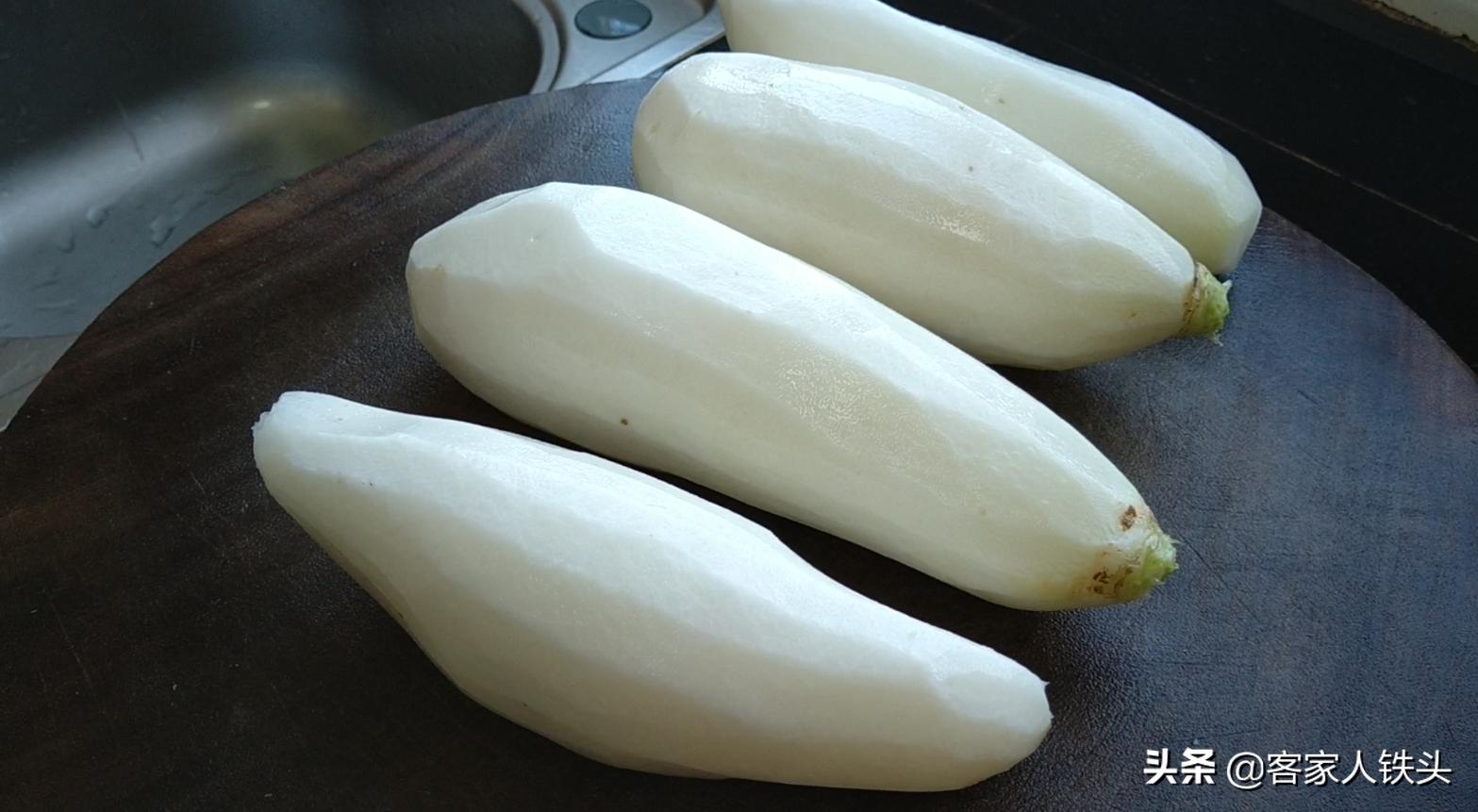 蘿蔔煲好吃有訣竅,加2斤牛腩燉一鍋,4個蘿蔔不夠吃,鮮香過癮