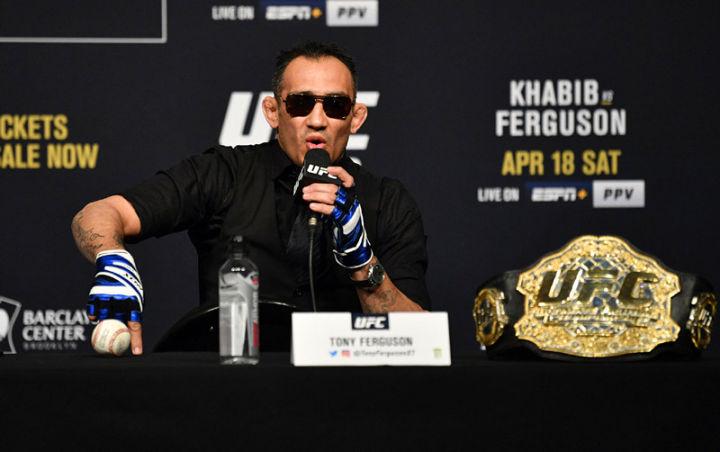夜魔直言骨头才是UFC第一人,而不是小鹰,并爆粗约战嘴炮康纳