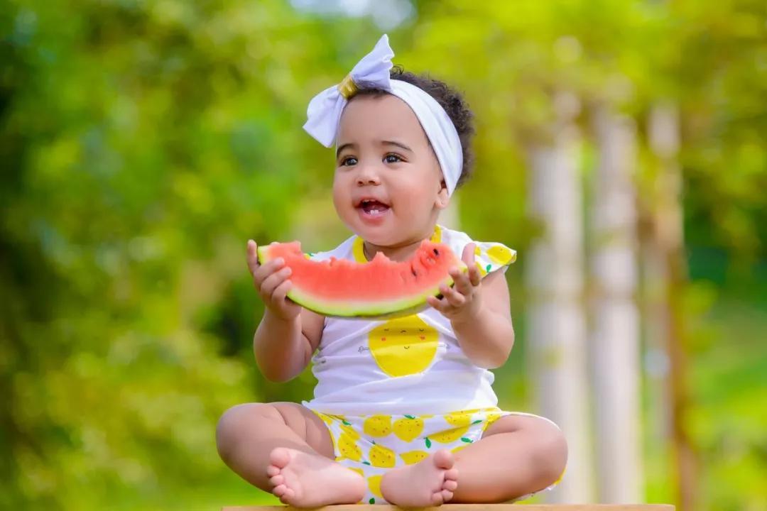 我太南了!宝宝吃饭到底是喂还是不喂?