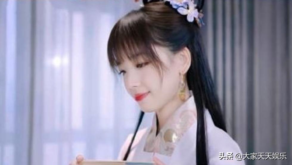 王冰冰汉服造型 成为网友关注的焦点