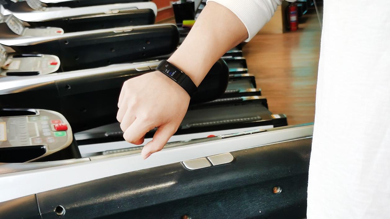 华为手环4 Pro测评:独立GPS+三大健康监测,运动健康看得见