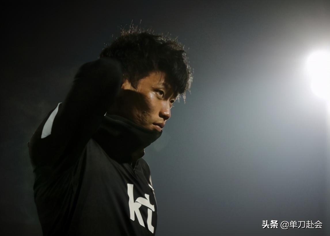 韩国队开场1分钟破门!亚洲霸主后防失误送大礼,8分钟后扳平