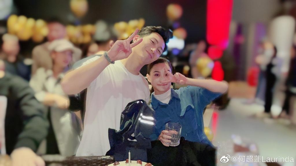 何超莲亲手为窦骁做生日蛋糕,网友:不结婚很难收场