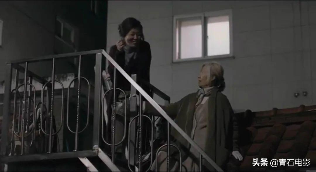 韩影太敢拍了!《老妇人》在韩遭抵制,却拍出了难以启齿的隐秘