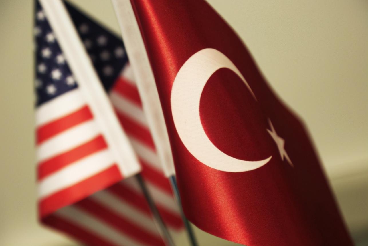 美土会晤谈崩,美国在S400问题上拒不让步,埃尔多安威胁退出北约