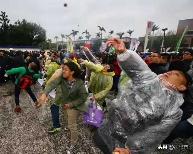 """两岸统一不能再等再忍了!台湾叫嚣:一旦进到""""摧毁区""""就开火"""