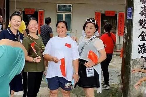 全红婵再获新荣誉!奖章、证书、奖金之后,她为3位老师谋福利