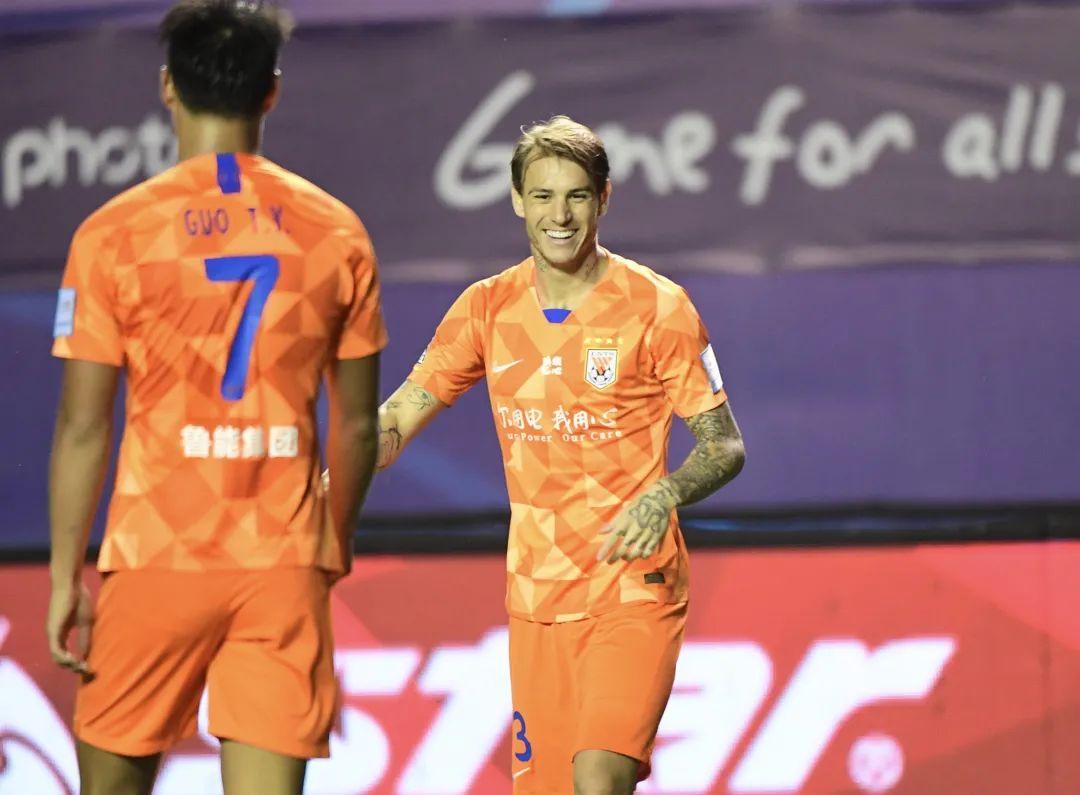 鲁能战深圳赛前传来三个好消息,组最强进攻线,对手首席射手缺阵
