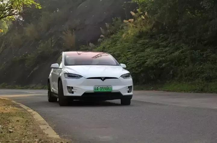 特斯拉新能源汽车