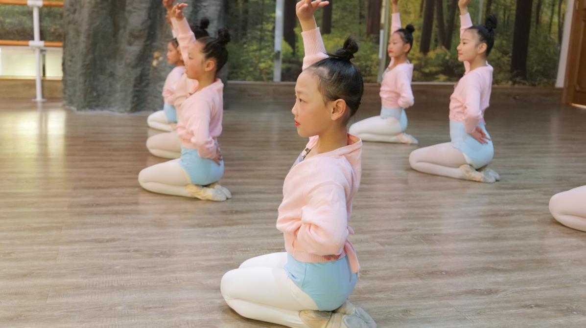 真棒!襄阳蔚蔚艺术城中国舞考级顺利进行