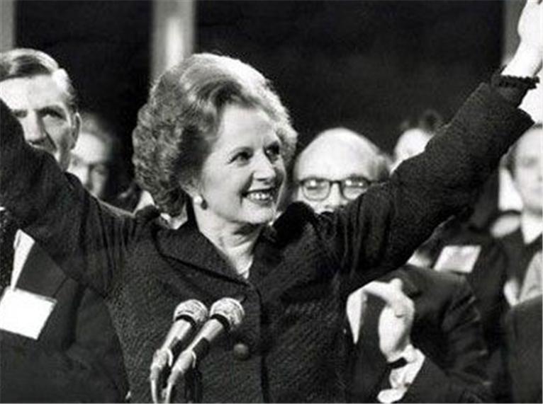 """""""铁娘子""""撒切尔夫人葬礼:花费近一千万英镑,英国女王亲自到场"""