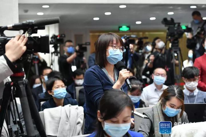 首场中共中央新闻发布会,外媒记者尖锐提问!