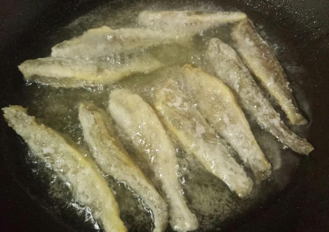 超简单的油炸小黄鱼 美食做法 第7张