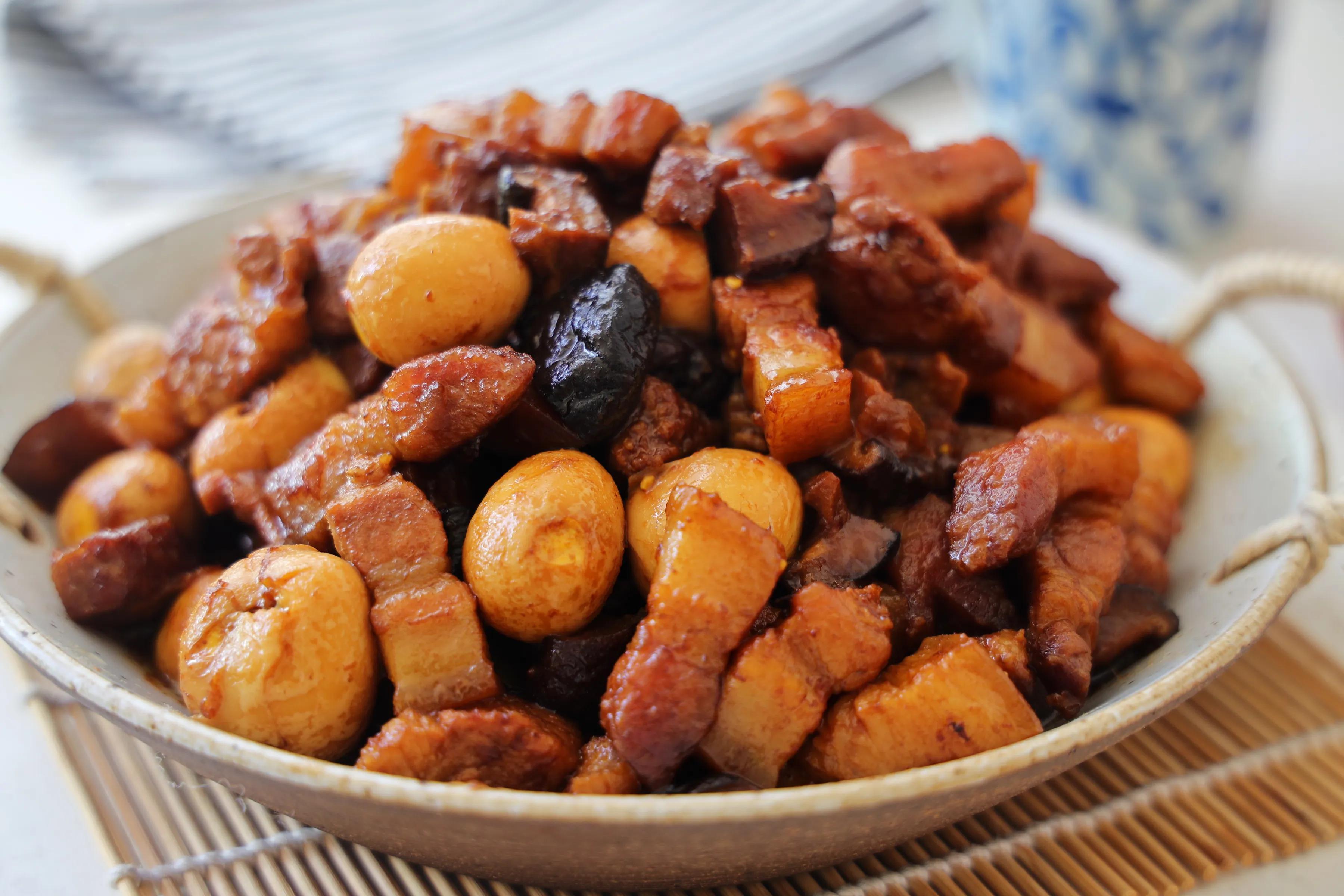 夏天五花肉要这样吃,简单卤上一锅,汤汁拌米饭超级过瘾好吃