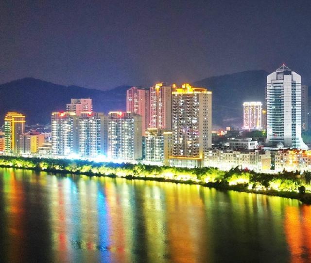 分析全国百强县福建省泉州市南安市:面积广大、与市区联系紧密