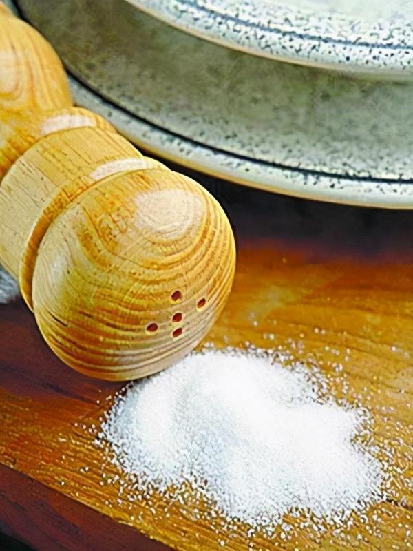 盐只能炒菜?关于盐,这几个小知识 小常识 第2张