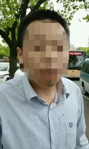 乘客拉拽司机,致两公交相撞,警方:刑事案件!