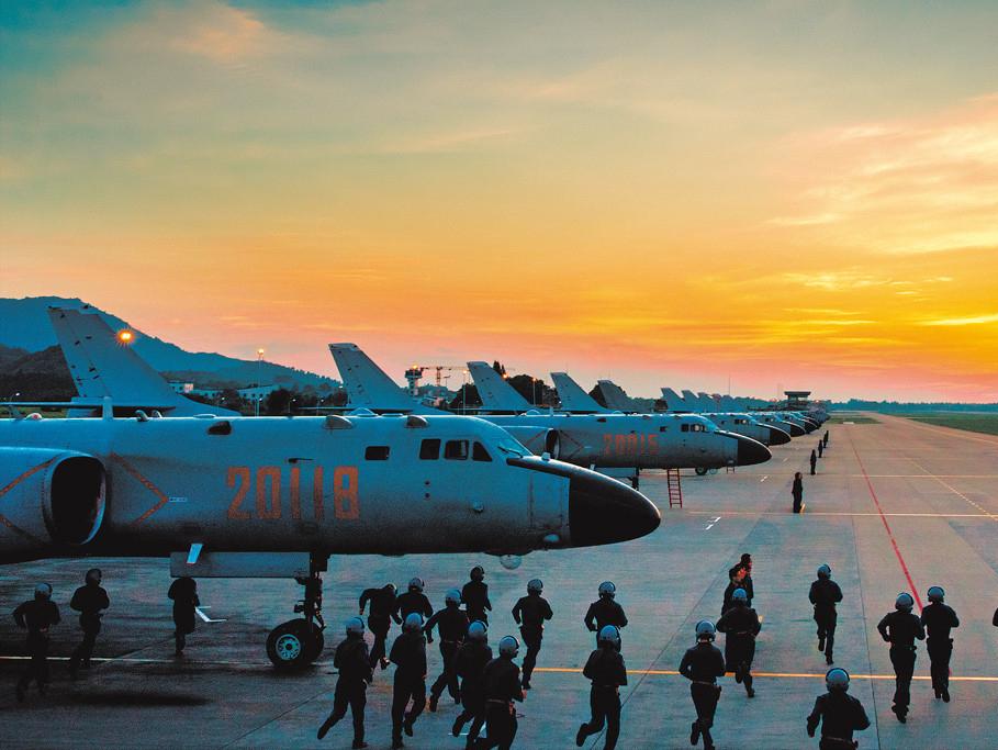 指名道姓针对美台后,解放军再次重拳挥出,19架战机巡视大好河山