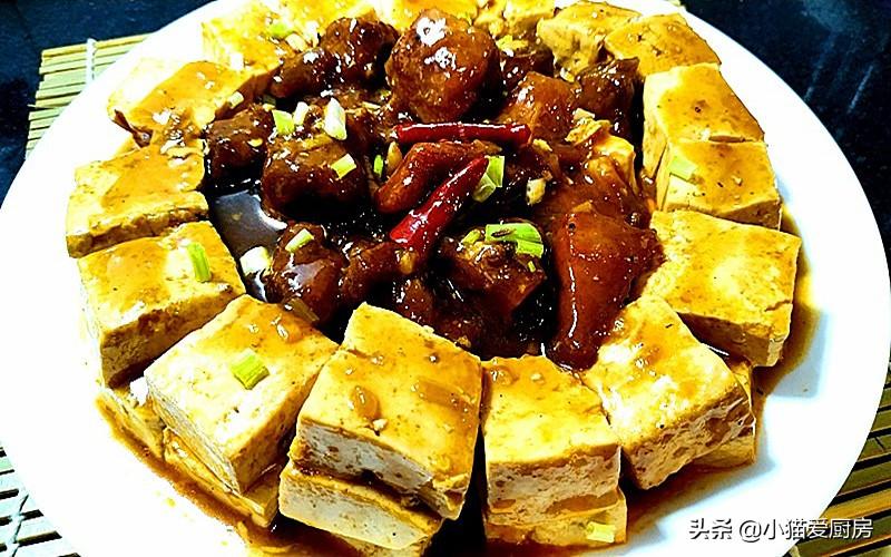 豆腐烧排骨 排骨滑嫩鲜甜 豆腐滑爽饱含汤汁 好吃又营养