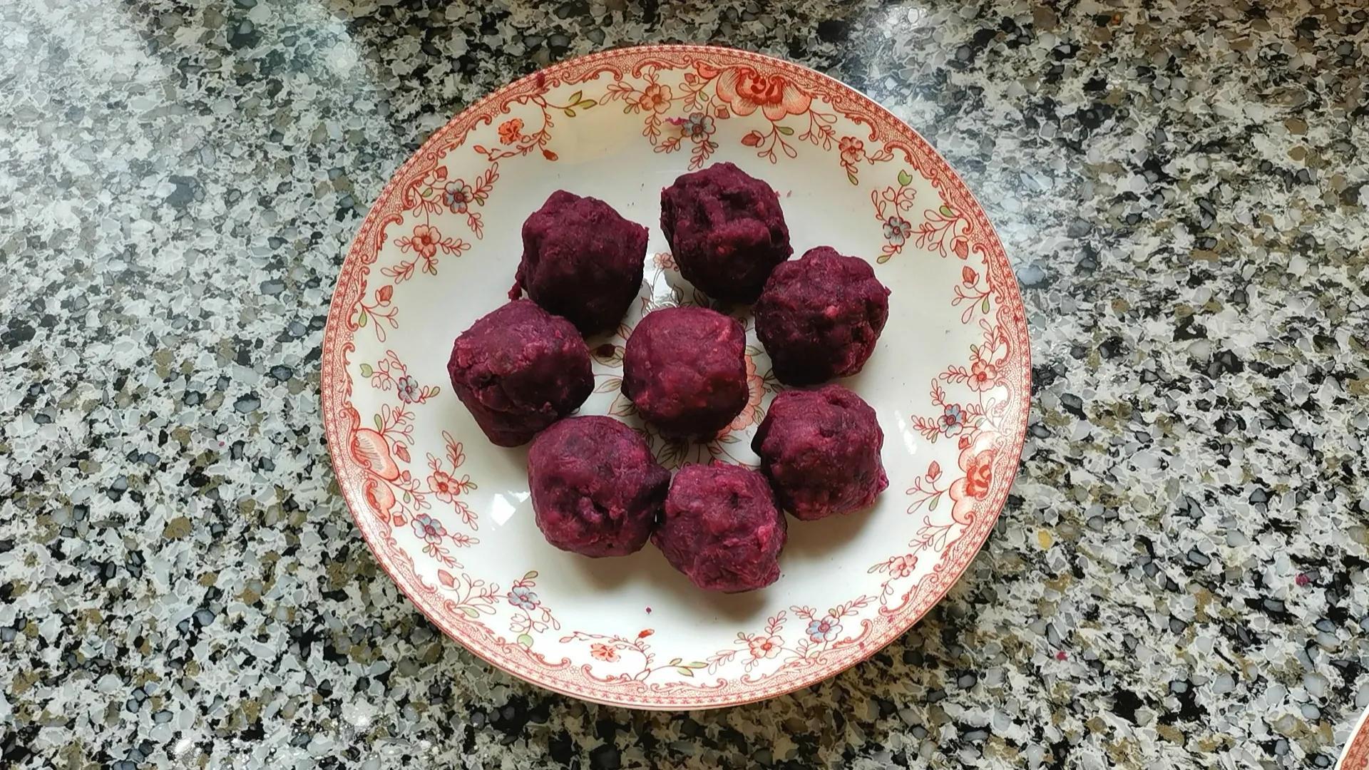 咬一口酥得掉渣的紫薯酥饼,制作简单又好吃,当零食早餐都不错 美食做法 第7张