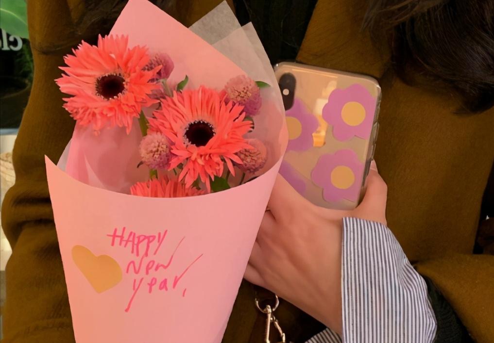 母亲节快乐发朋友圈的说说 2021最新版的母亲节快乐文案